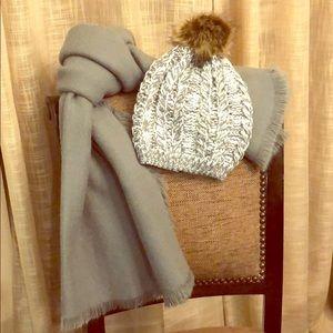 Gray & white beanie w/Pom Pom & gray scarf